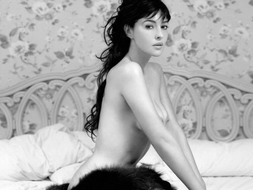 Monica Bellucci JPEG Compress
