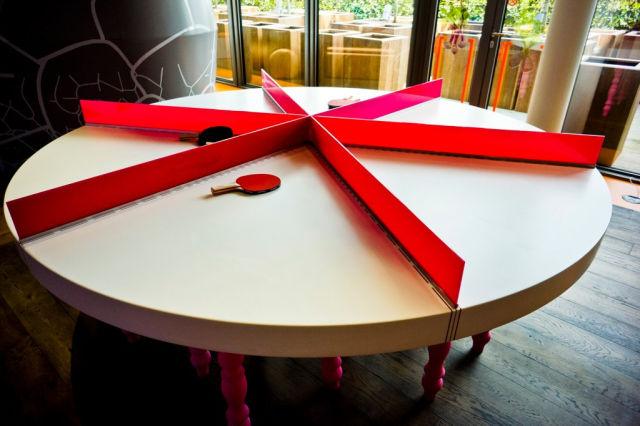 top 5 des bureaux les plus geek dans le monde autour du web. Black Bedroom Furniture Sets. Home Design Ideas